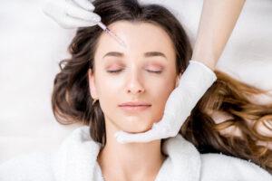 woman-getting-botox